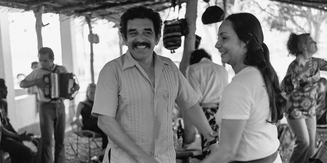 Gabriel García Márquez con Mercedes Barcha en Puerto Colombia 1971. Foto: Cortesía Armando Matiz.