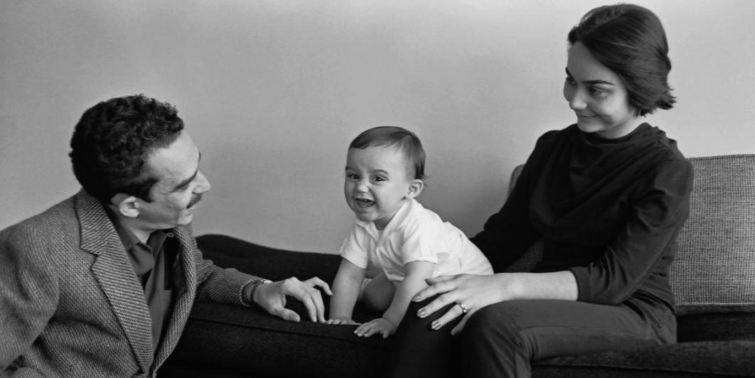 Gabo con Mercedes y su hijo Rodrigo (1960) -Foto: Hernán Díaz