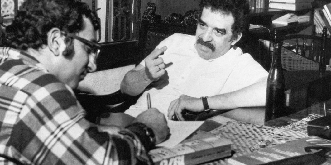 Gabriel García Márquez con Juan Gossain en Barranquilla. Foto: Archivo de El Espectador