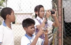 Niños y jóvenes que participaron en Cronicando durante el proceso de reportería.