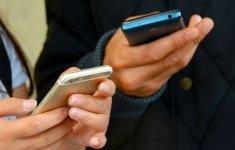 Sexting, intercambio de mensajes explícitos en línea.