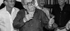 Gabriel García Márquez con los periodistas José Salgar y Javier Darío Restrepo en Cartagena. Foto: Archivo FNPI
