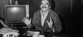Gabriel García Márquez en las oficinas de la programadora RTI, Bogotá en 1974. Foto: archivo Fundación Palabreria.jpg