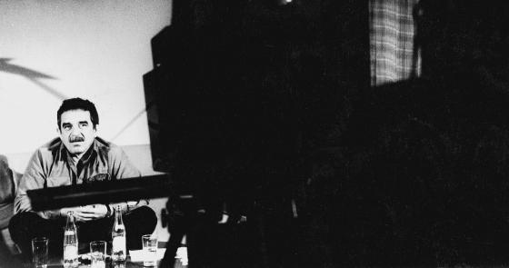 En los estudios RTI (Bogotá, 1997) - Foto: Archivo Fundación Palabrería